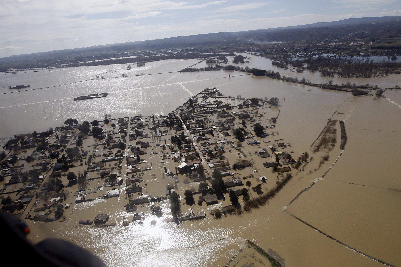 Überschwemmung in Zaragoza, Nordspanien: Nach heftigen Regenfällen trat der mit rund 900 Kilometern längste innerspanische Fluss Ebro über die Ufer. Die Aufnahme ist vom 2. März 2015.