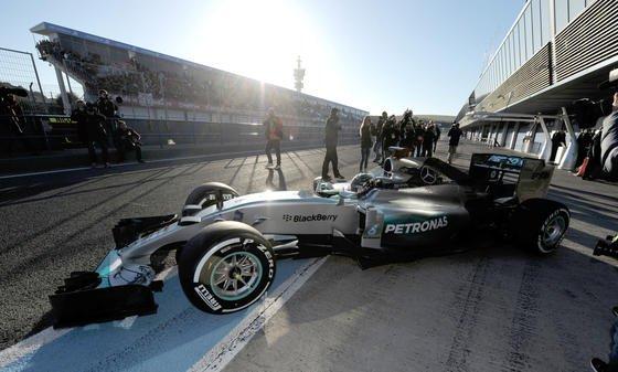 Laut Daimler-Entwicklungsvorstand Thomas Weber zieht Technik aus der Rennserie verstärkt in Serienmodelle ein.<h2></h2>