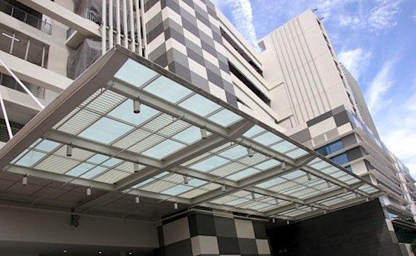 Auch dieses Regierungsgebäude soll im Rahmen des Projektes mit den deutschen Solarfolien ausgestattet werden.