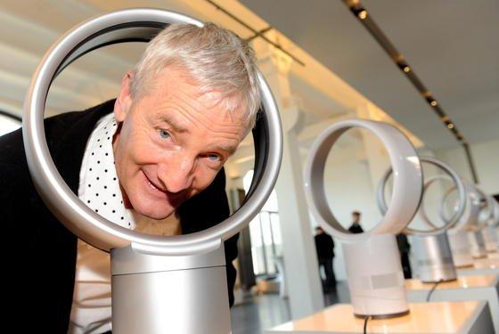 James Dyson ist Ingenieur und bekannt für erfolgreiche Erfindungen: Der Milliardär hat unter anderem den beutellosen Staubsauger und einen Ventilator ohne Flügel erfunden.