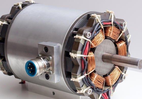 Magnetlager der TU Wien: Mithilfe millionstel Sekunden kurzer elektrischer Testimpulse berechnet die Steuerungselektronik die Rotorposition. Fehleranfällige Sensoren sind nicht mehr notwendig.