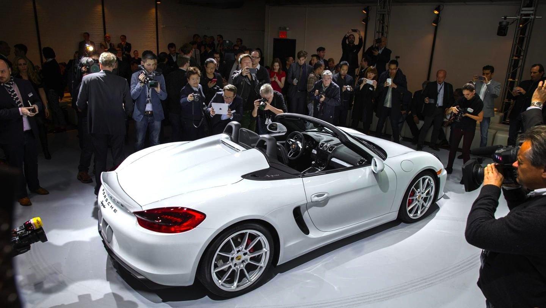 Puristisch ausgelegt: Nicht einmal ein Radio gibt es in der Standardversion des Porsche Boxster Spyder.