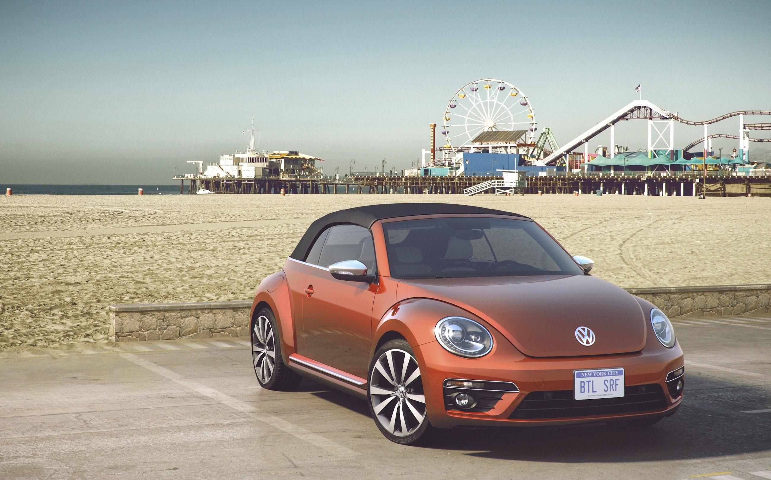 Lass uns Surfen gehen, Schätzchen: Der VW Beetle Wave soll ein Armaturenbrett aus Echtholz in Form eines Surfbretts besitzen. Bilder vom Innenraum gibt es – leider – noch nicht.