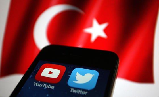 Mit der Sperre hat Erdogan bereits zum zweiten Mal einen Strich durch die Meinungsfreiheit im Internet gemacht. Weitere Sperren könnten folgen, vermuten Regierungskritiker.