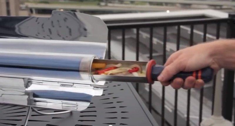 Alternative zum Grill: Der Solarofen GoSun kann auch auf em Balkon genutzt werden.
