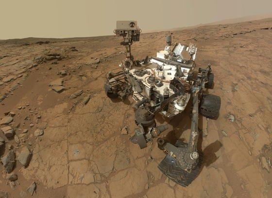 An Bord des Marsrovers Curiosity ist eine Wetterstation. Sie zeichnet kontinuierlich Lufttemperatur und –feuchtigkeit am Boden und in 1,6 Meter Höhe auf.