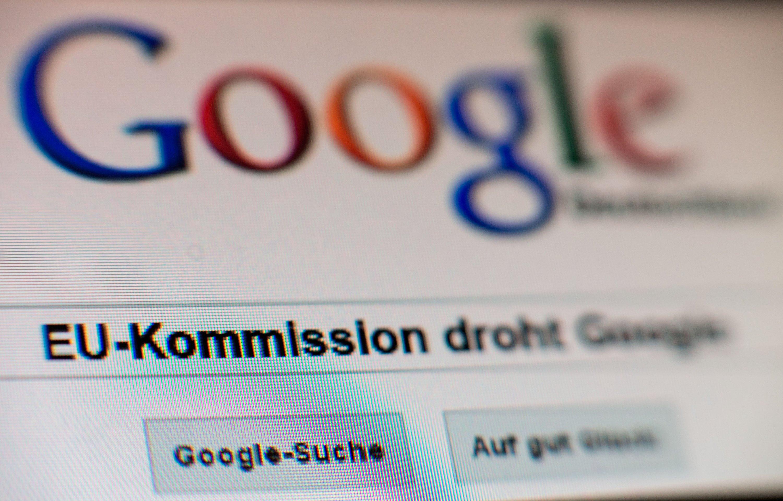 Im Streit um die Marktmacht von Google droht die EU-Kommission dem Suchmaschinenbetreiber jetzt offiziel mit einer Milliardenstrafe. Es sind vor allem die prominent platzierten Treffer aus der Preissuchmaschine Google Shopping, die der EU-Kommission ein Dorn im Auge sind.