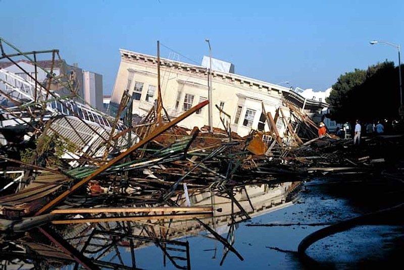 Erdbeben 1989 im District Loma Prieta in San Francisco: Über eine App wollen US-Forscher Erdbeben nicht nur früher feststellen, sondern auch die Bevölkerung schneller warnen.