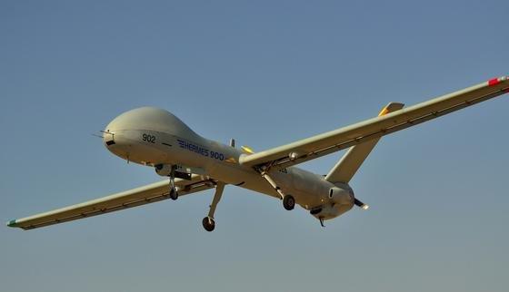 Hermes 900 im Flug: Die Drohne des israelischen Wehrtechnikunternehmens Elbit Systems kommt in der Fernaufklärung zum Einsatz.