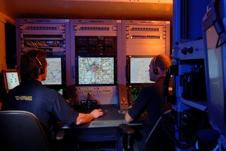 Mobiler Kontrollstand: Von hier steuern Soldaten die Drohnen. Sie können Datenverkehr aufspüren und Nachrichtenverkehr dechiffrieren.