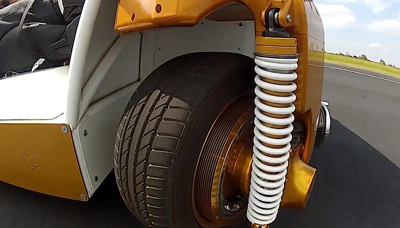 Die Räder des MRV lassen sich einzeln ansteuern und können sich um 360 Grad drehen.