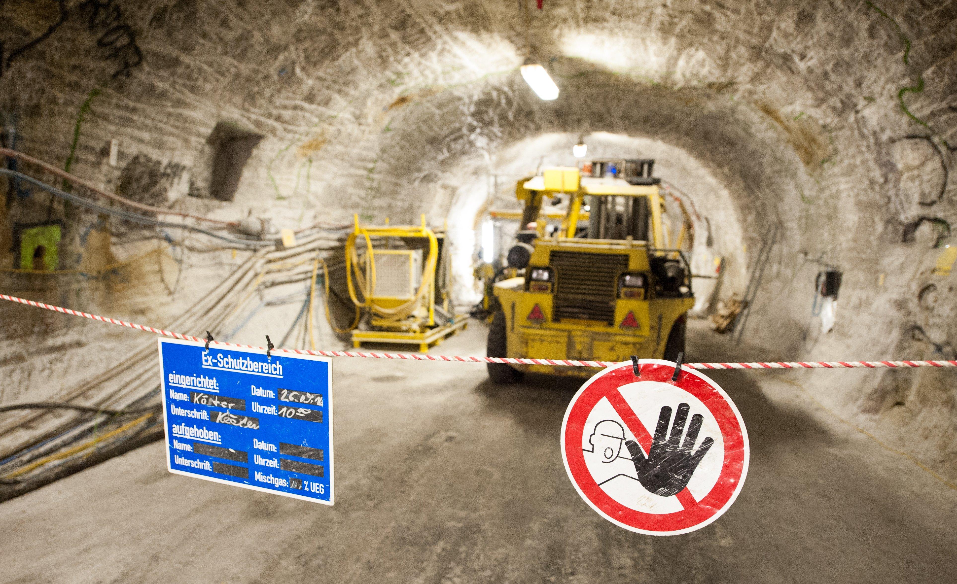 Erkundungsbergwerk in Gorleben: Die Suche nach einem Endlager für den hochradioaktiven Müll in Deutschland wird sich erheblich verzögern. Erst in mehr als 150 Jahren wird ein Endlager geschlossen werden.