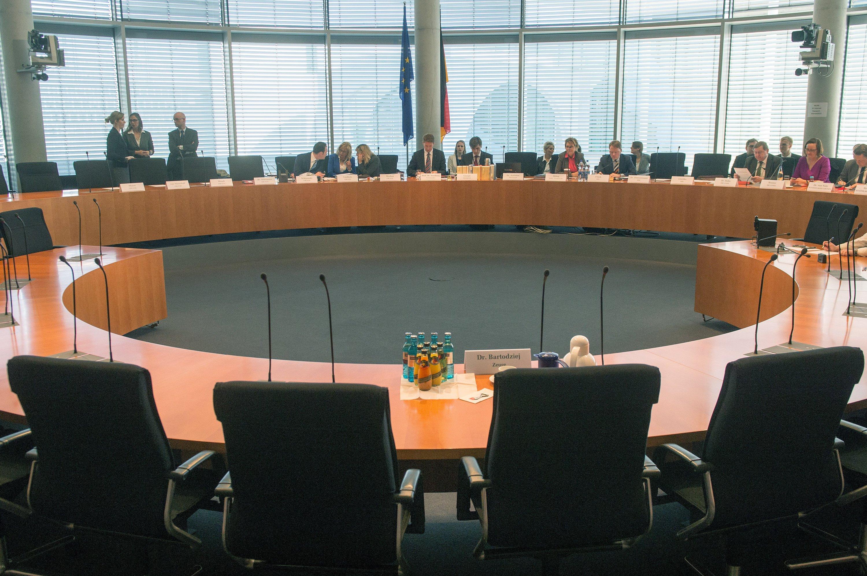 Sitzung des NSA-Untersuchungsausschusses am 23.04.2015 in Berlin.