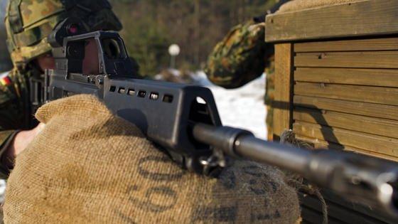 Sturmgewehr G36: Bis zu 7000 Exemplare im Einsatz sollen schnellstmöglich ein stärkeres Waffenrohr erhalten. Das soll vor Überhitzung schützen.