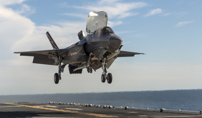 Die F-35B kann senkrecht starten und landen. Zukünftig soll das Flugzeug bei allen US-Teilstreitkräften zum Einsatz kommen.