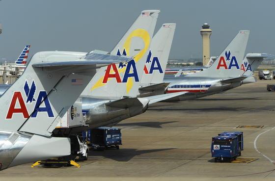 """Bei American Airlines mussten in den letzten Tagen Maschinen am Boden bleiben, weil die """"Electronic Flight Bags"""" der Piloten den Dienst verweigerten."""