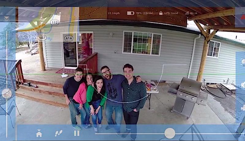 Mit einem zweiten Smartphone lässt sich Phone Drone fernsteuern. Die Drohne kann dann Fotos aus der Luft schießen.