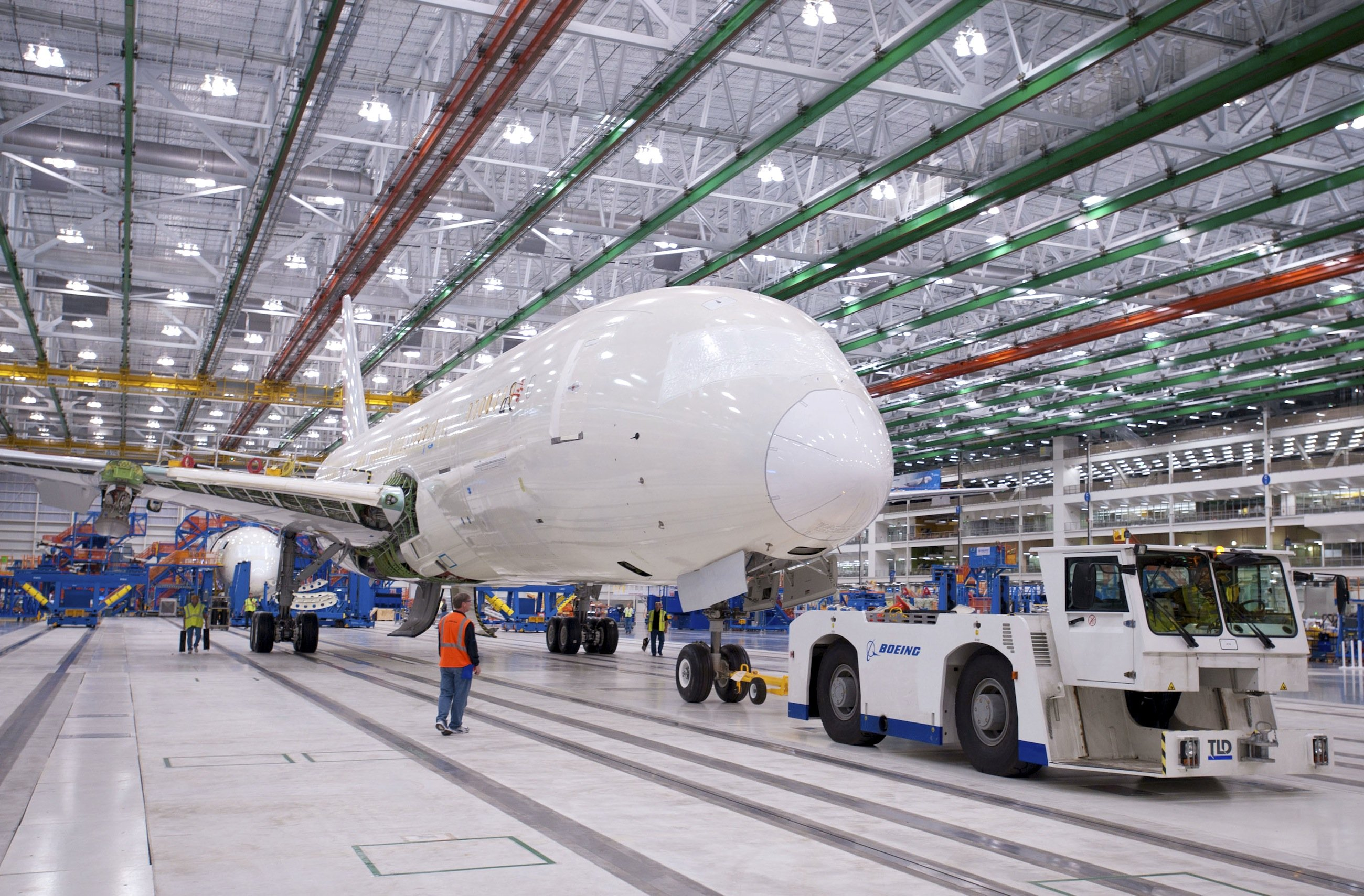 Produktion des Boeing 787 Dreamliner in South Carolina: Ein interner Software-Zähler muss regelmäßig durch einen Reboot auf Null gestellt werden, um einen Ausfall der Stromversorgung zu verhindern.