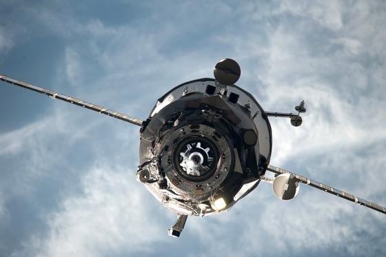 Der russische Raumfrachter Progress hat schon zahlreiche Flüge zur ISS absolviert. Der 59. Flug ist dagegen missglückt. Der Transporter trudelt derzeit in der falschen Umlaufbahn und wird am Samstag mit 2,4 Tonnen Fracht auf die Erde abstürzen.