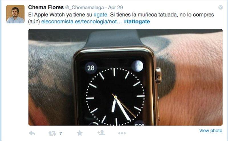 Unter demHashtag #tattogate auf Twitter diskutieren Käufer der Apple Watch, dass die Uhr bei tätowierter Haut Probleme bei der Pulsmessung hat.