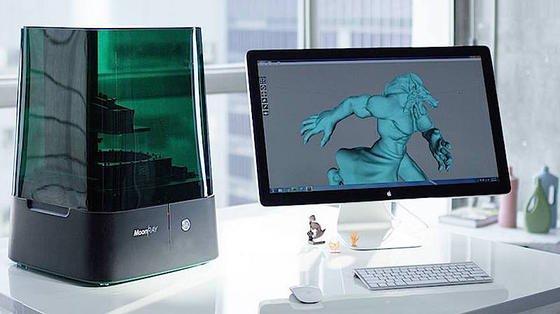 3D-Drucker Moonray: Das Gerät ist kompakt genug, um auf dem Schreibtisch Platz zu finden. Trotzdem erreicht es laut Hersteller eine hohe Druckqualität.