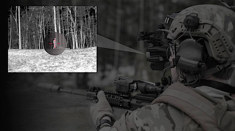 Soldat mit neuem BAE-Nachtsichtgerät: Kritiker befürchten, dass Soldaten schneller schießen, da sie die Waffe beim Auskundschaften der Umgebung mitbewegen müssen.
