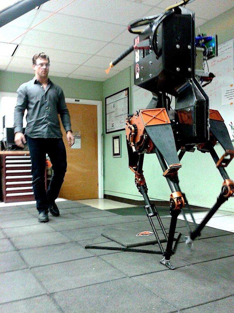 Bislang übte Atrias das Gehen nur im Labor. Seinen nächsten Auftritt hat der Roboter im Juni auf der Darpa Robotic Challenge in Kalifornien.