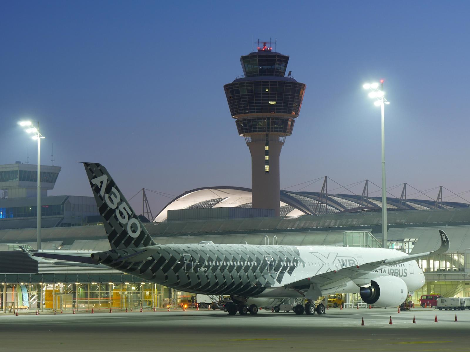 Am 26. Februar 2015 landete der erste Airbus A350 XWB in München mit 90 Journalisten an Bord.