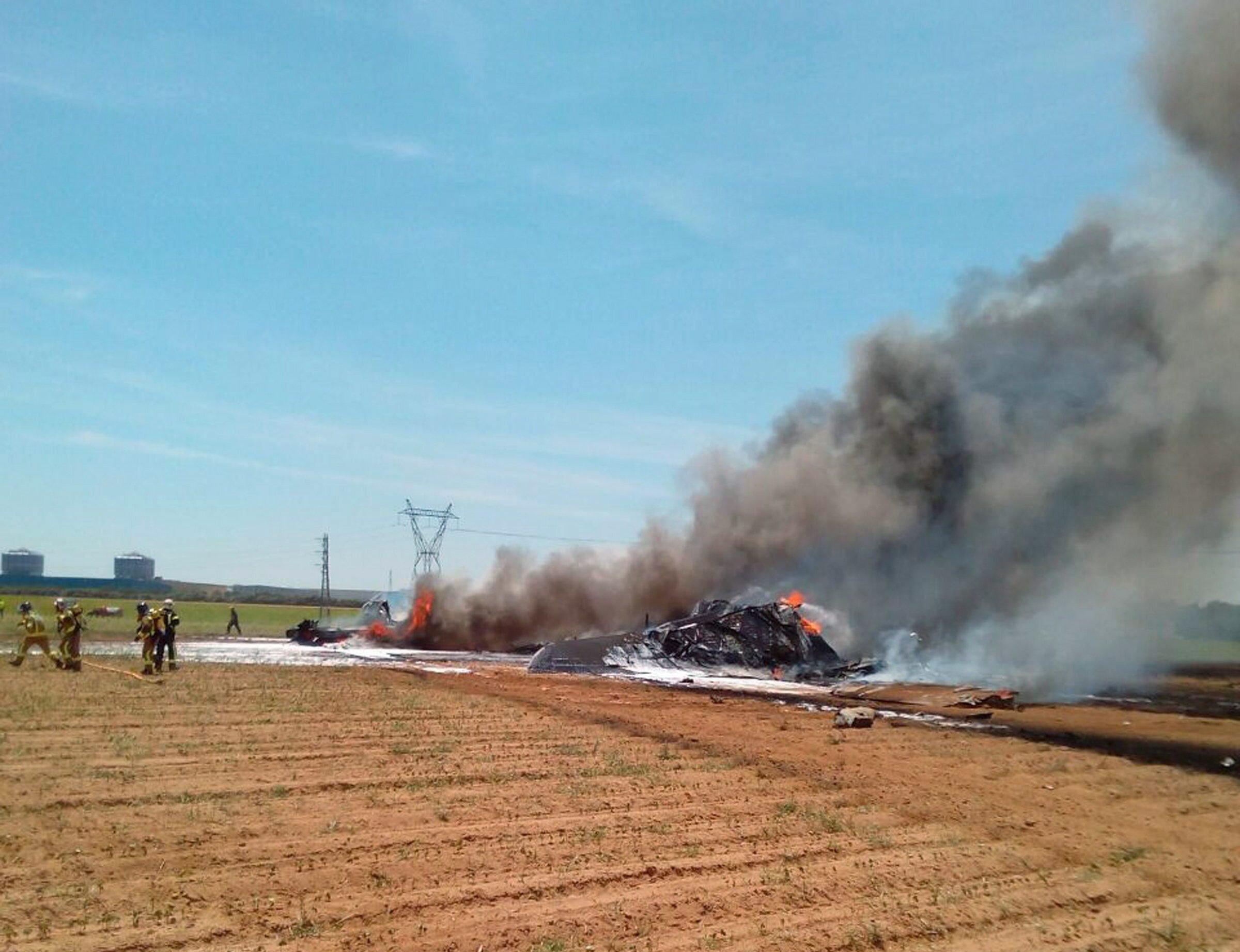 Zerschellte A400M in Sevilla: Am Samstagmittag streifte der Militärtransporter eine Hochspannungsleitung und stürzte ab.