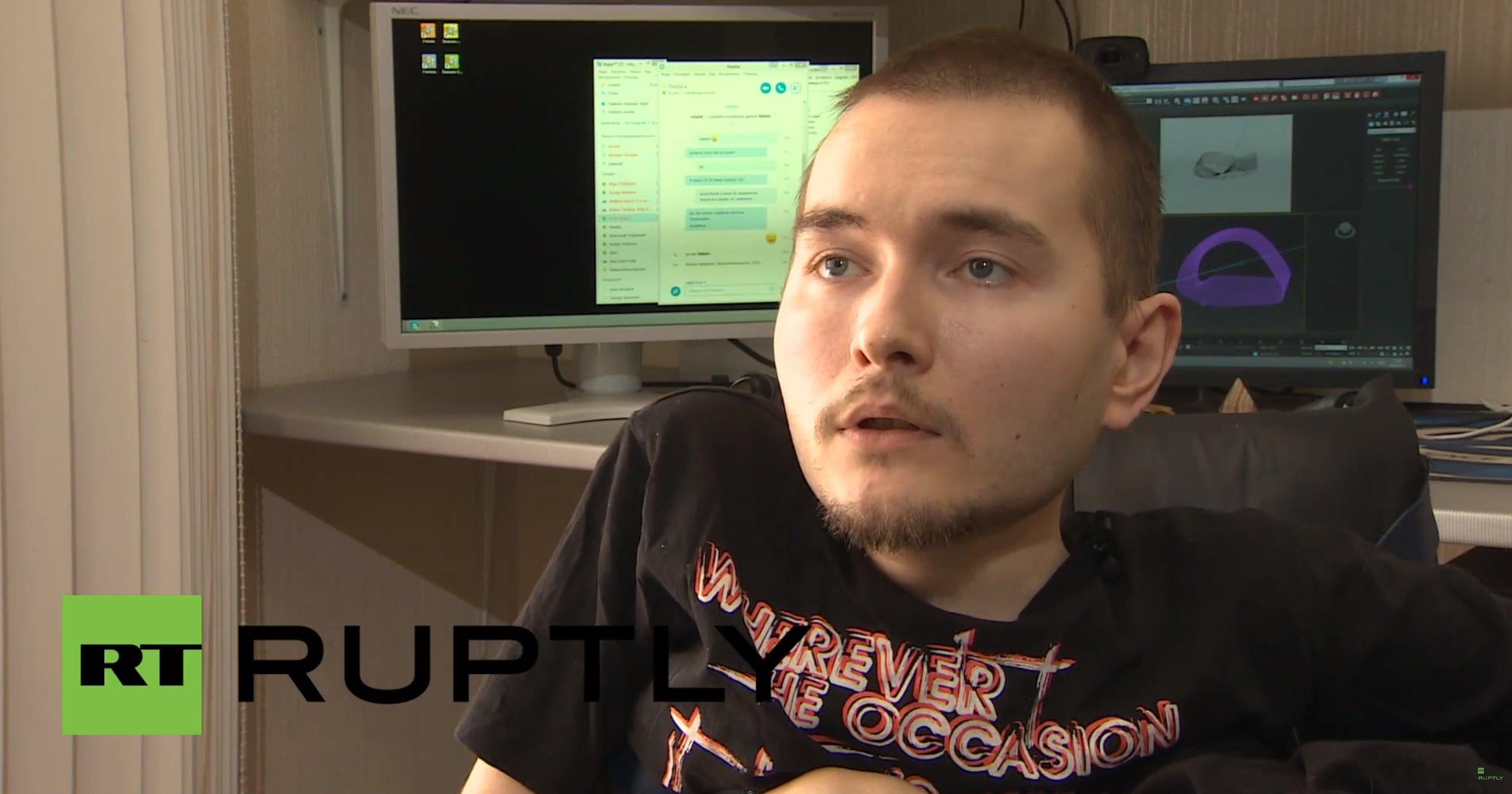 Der 30-jährige Russe Valery Spiridonov, der an einer tödlichen Muskelschwund-Krankheit leidet, hat sich für die Transplantation seines Kopfes zur Verfügung gestellt.