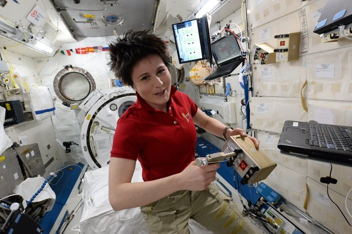 ESA-AstronautinSamantha Christoforetti kann sich ihren längeren Aufenthalt auf der ISS immerhin mit Espresso versüßen. Muss ihn sich aber einteilen.