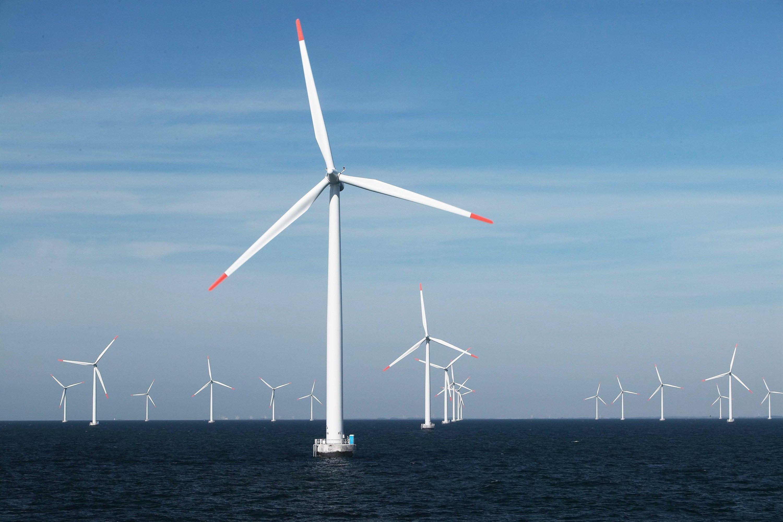 Windpark Rodsand I vor der dänischen Küste: Er wurdebereits 2003 ans dänische Stromnetz angeschlossen. Inzwischen stellt sichE.On massiv auf Windenergie ein. In letzter Zeit hat der Energiekonzern sieben Projekte realisiert.