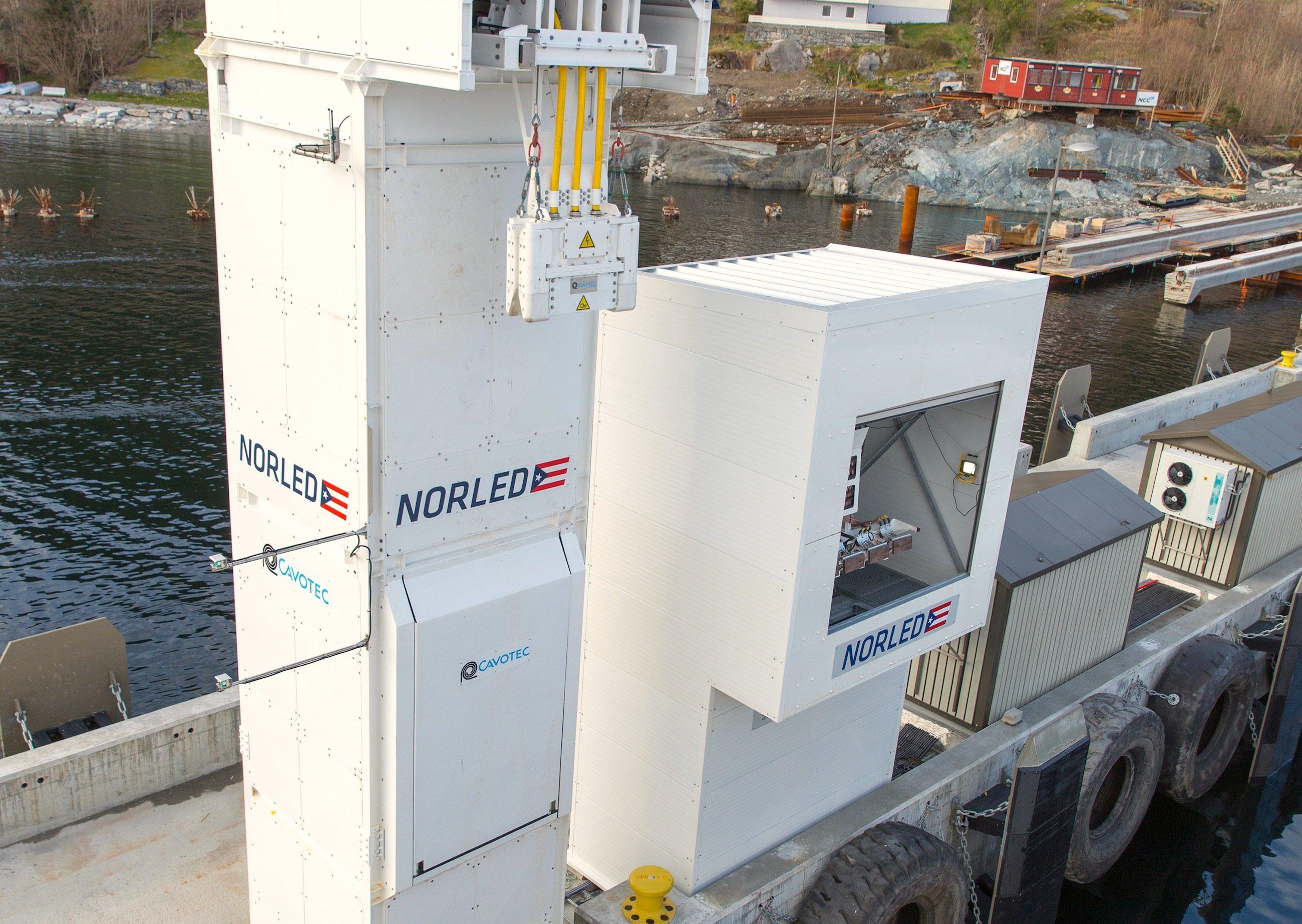 Ladestation im Hafen: Die Elektrofähre braucht pro Überfahrt rund150 kWh Strom.
