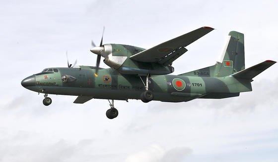 Eine Antonov AN-32 der Bangladesh Air Force: In der Weiterentwicklung soll die Maschine ein gläsernes Cockpit, Triebwerke von Pratt & Whitney sowie US-amerikanische Navigationssysteme erhalten.