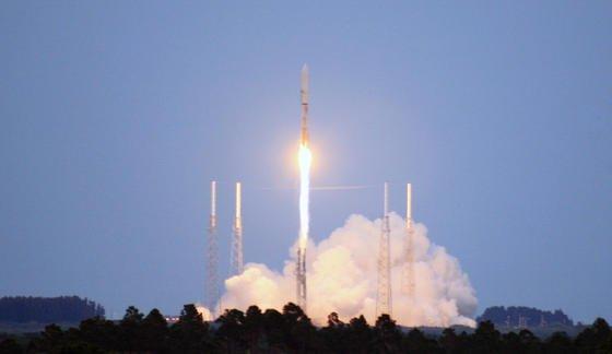 Start einer Atlas-V-Rakete in Cape Canaveral: Sie transportiert den Raumgleiter X-37B ins All. Über Sinn und Zweck der Mission schweigt sich das Militär bislang aus.