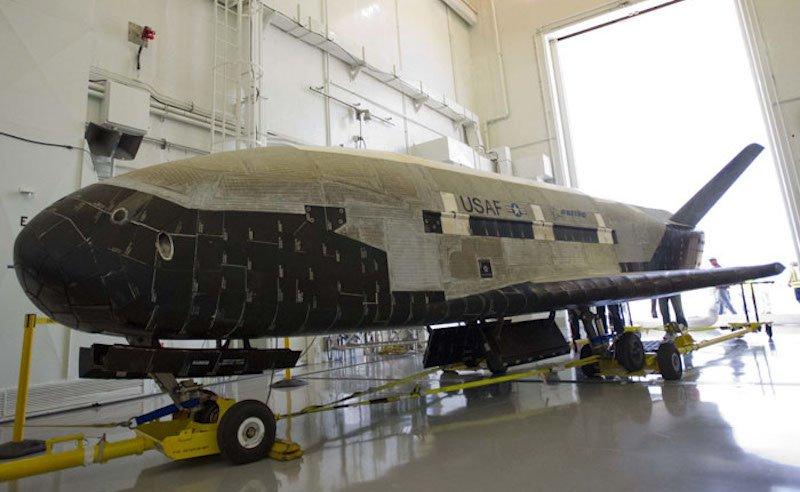 Vorbereitung des X37-B: Der Raumgleiter testet angeblich einen sogenannten Hallantrieb.