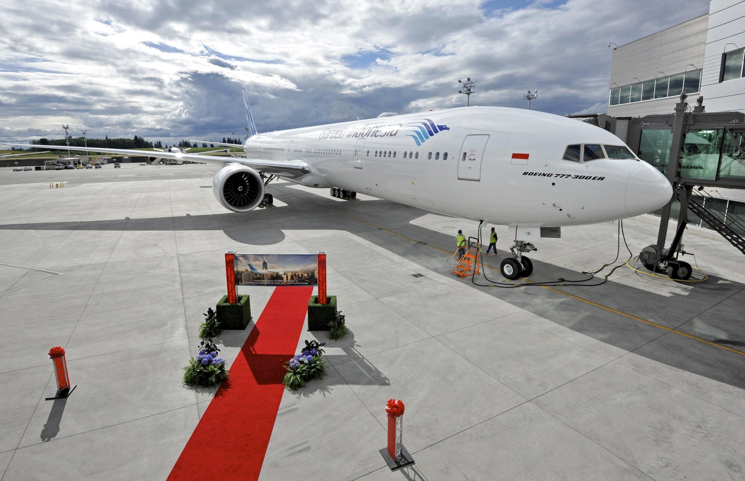 Boeing 777-300ER für die indonesische Fluggesellschaft Garuda: Das Langstreckenflugzeug wird derzeit mit Rabatten von bis zu 61 % an Großkunden verkauft, erfuhr Ingenieur.de.