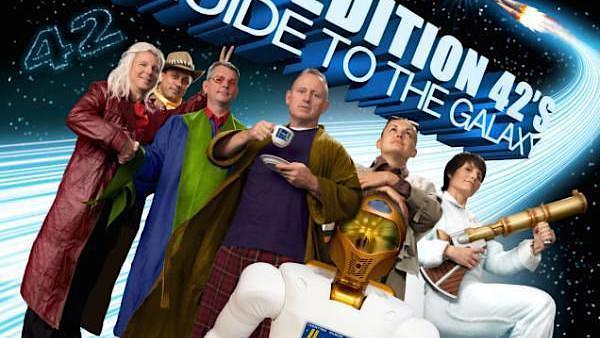 Die Teilnehmer der 42. Expedition der europäischen Raumfahrtbehörde posieren für den Towel Day in Kostümen der Helden aus der Science-Fiction-Saga.