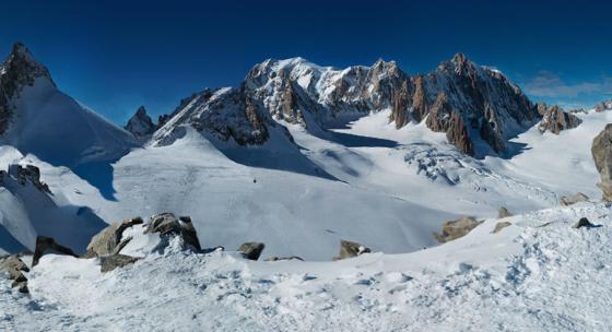 Das größte Panoramafoto der Welt zeigt den Mont Blanc. Es besteht aus 70.000 Einzelaufnahmen und ist 365 Milliarden Pixel groß.