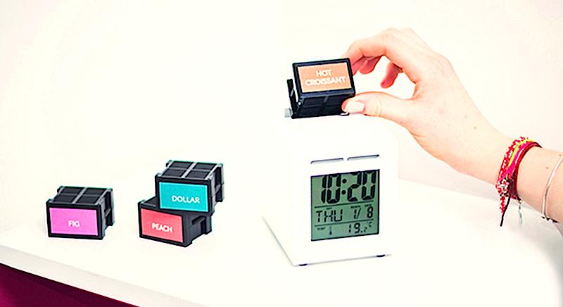 Es gibt 60 verschiedene Düfte für Sensorwake. Der Duftwecker soll für rund 100 Euro auf den Markt kommen. Eine Duftkapsel reicht für 60 Weckrufe und kostet 7,50 Euro.