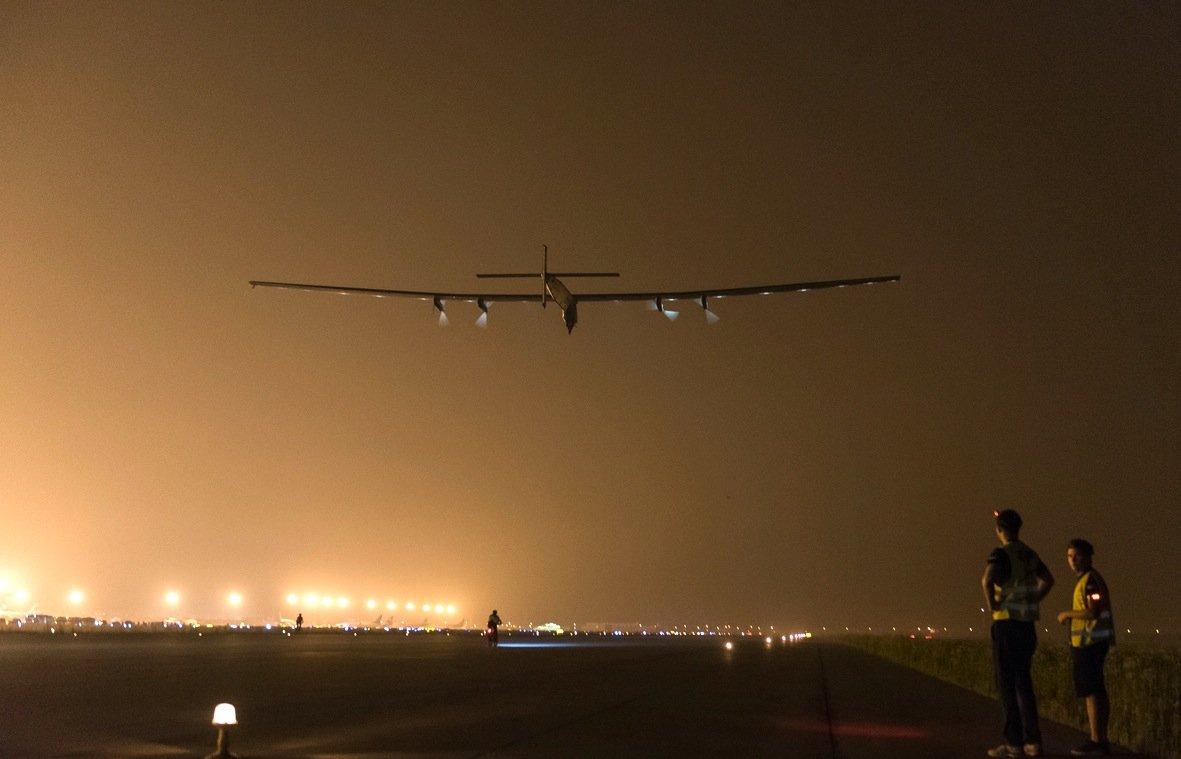 Start der Solar Impulse 2 in der Nacht zu Montag in Nanjing.