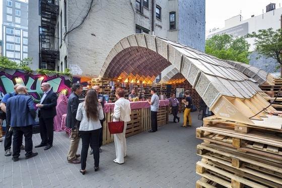 ETH-Pavillon in New York: ZumIdeas City Festivals in New York entwarfen die Schweizer Ingenieure einen Pavillon, dessen Oberfläche aus recycelten Getränkekartons besteht.