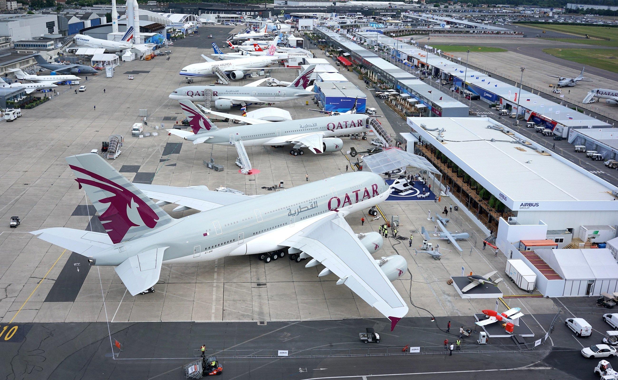 Airbus auf der Paris Air Show 2015: Der europäische Flugzeugbauer präsentiert vier Flugzeuge der Typen A350 XWB und A380.