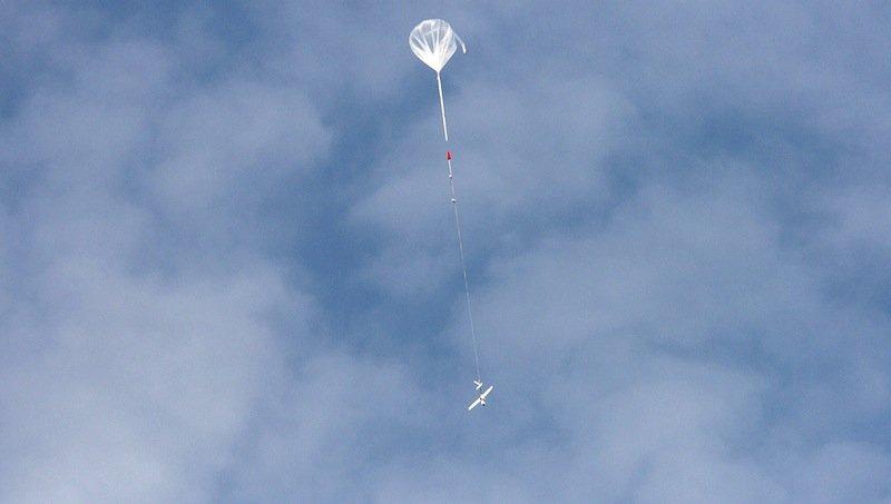 DLR-Wissenschaftler haben ein unbemanntes Segelflugzeug für Forschungsflüge entwickelt sowie eine neue Methode für den Höhenflug.
