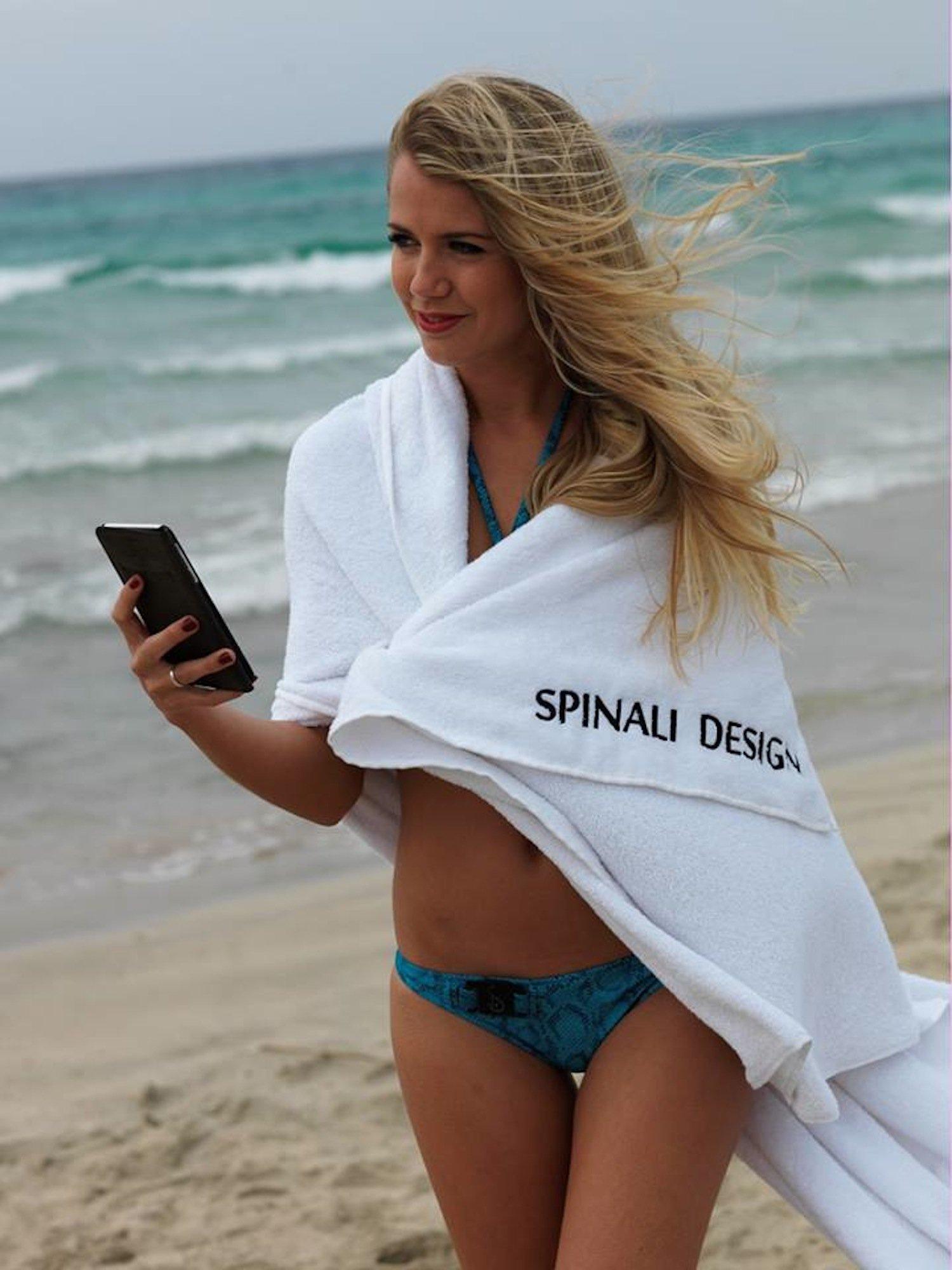 Die UV-Sensoren lassen sich auch in Badetücher integrieren. Kostenpunkt: 99 Euro.
