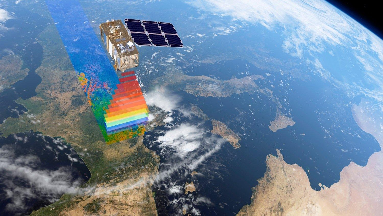 Sentinel-2A scannt einen 290 km breiten Landabschnitt. Der Satellit braucht 100 min. für die Erdumrundung und scannt den gleichen Bereich alle zehn Tage.