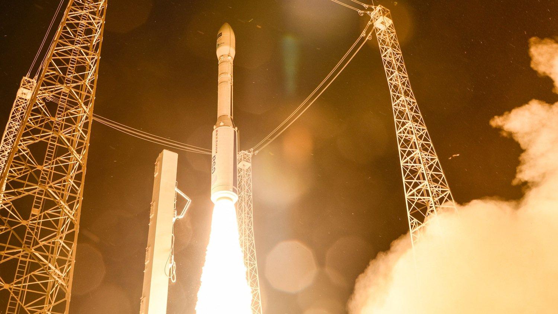 Start der Vega-Trägerrakete in Kourou (Französisch-Guyana): Nach knapp 55 min. Flugzeit erreichte der Satellit Sentinel-2A seine Erdumlaufbahn in 800 km Höhe.