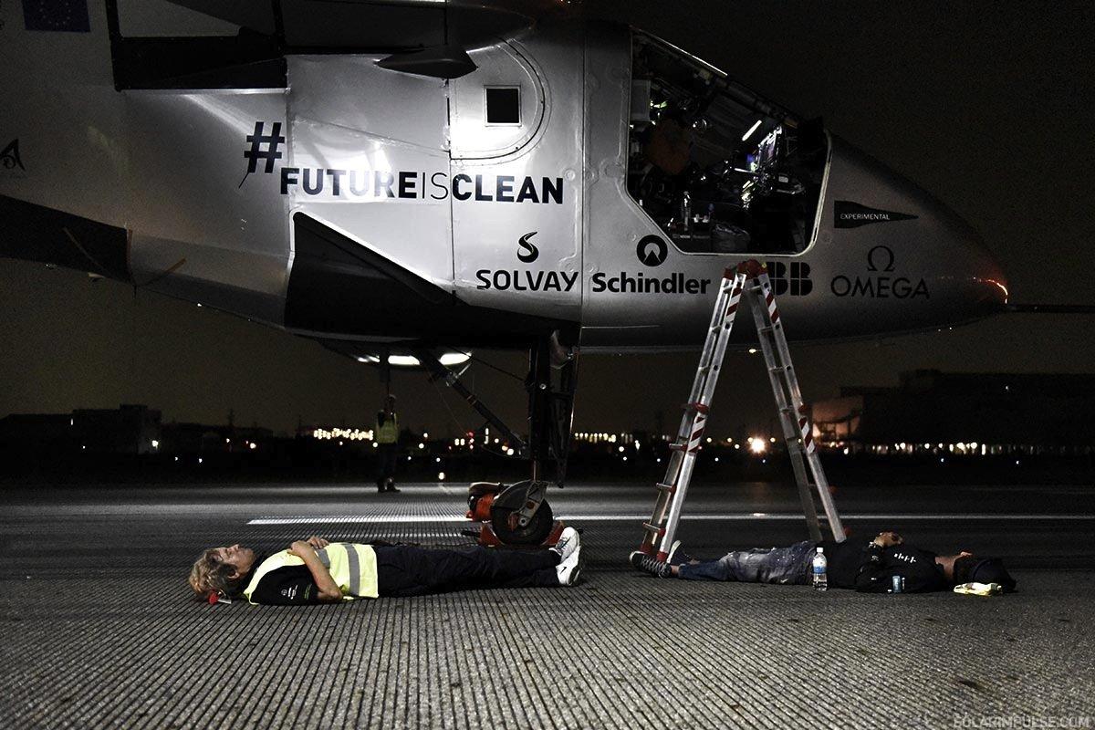 Letzte Kontrolle vor dem Start: Nur fünf Minuten vor dem Abheben wurde der Flug vonNagoya nach Hawaii abgebrochen.
