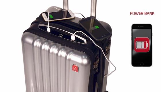 Drei USB-Anschlüsse und ein Akku sind in den Koffer integriert: Reisende können überall Smartphones und Tablets aufladen.