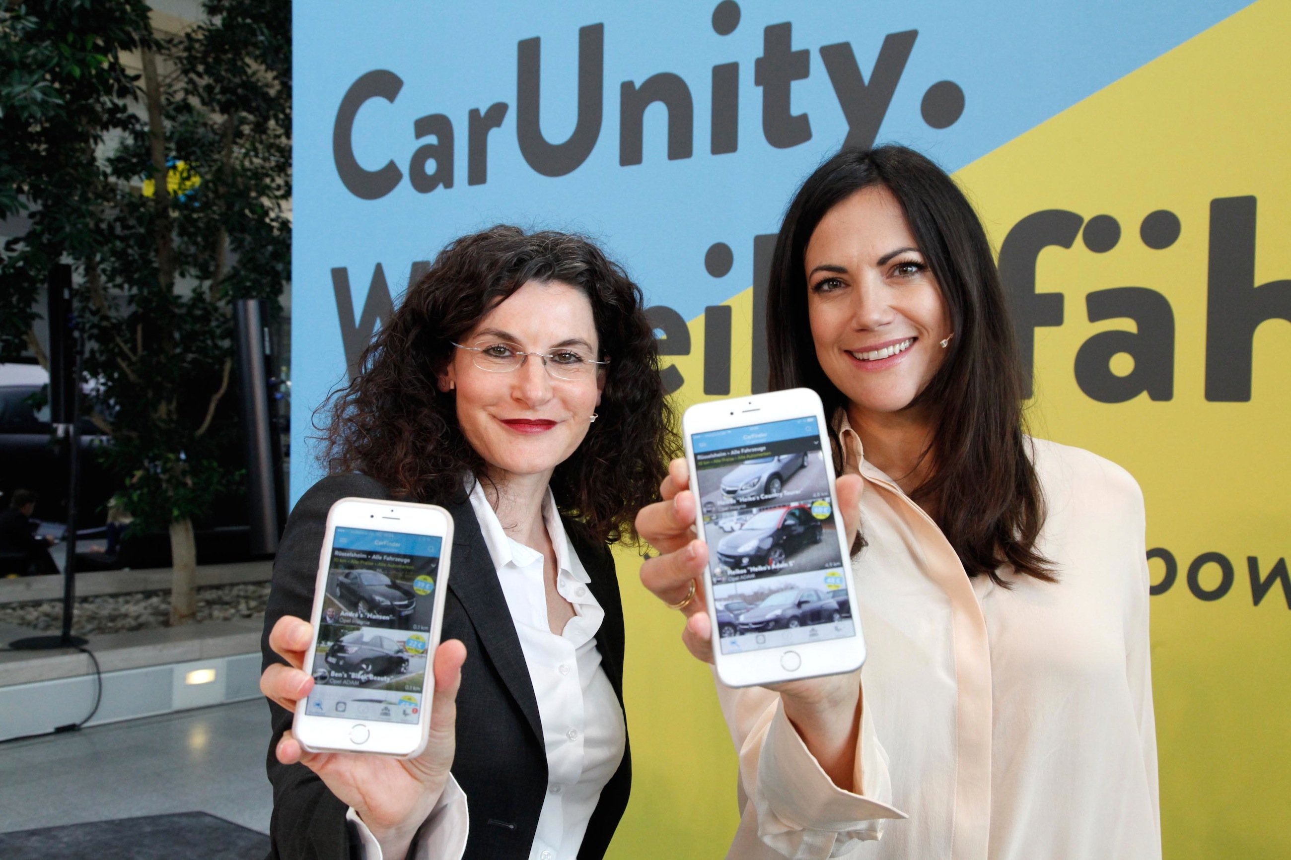 Wer die Opel-App CarUnity geladen hat, kann nicht nur Opel-Fahrzeuge ausleihen, sondern auch auf Fahrzeuge anderer Automarken zurückgreifen. Auch Oldtimer wie den Opel Manta kann man sich über CarUnity ausleihen.